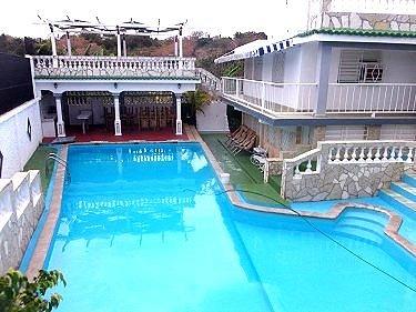 Casas com piscina e ar piscina e rea de lazer with casas for Casas con piscina en cuba