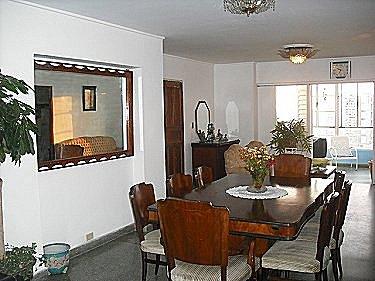 Apartamento lupe y alejandro en vedado habana for Terraza del apartamento