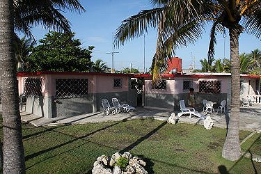 Alquiler de apartamentos nancy ruiz en guanabo playas del for Casa mansion los jardines havana