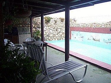 Casa yensy alquiler casa con piscina alberca en la habana for Casas con piscina en la habana