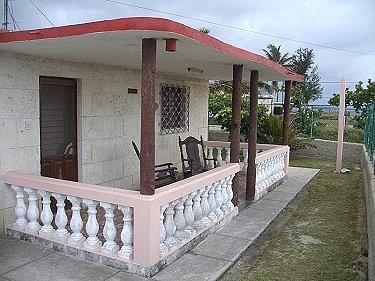 Alquiler de apartamentos nancy ruiz en guanabo playas del for Imagenes de porches de casas