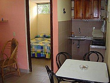 Apartamento casa liberty en varadero cuba for Planos de casas con sala comedor y cocina juntos