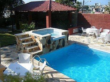 Alquiler de la villa don teto con alberca piscina en la for Casas con piscina en sevilla para alquilar
