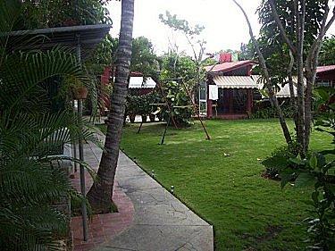 Alquiler de la casa jorge y diana con alberca piscina en for Casa mansion los jardines havana