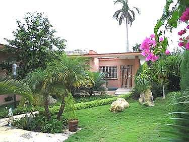Alquiler de la casa de mary pool en la habana for Casa mansion los jardines havana